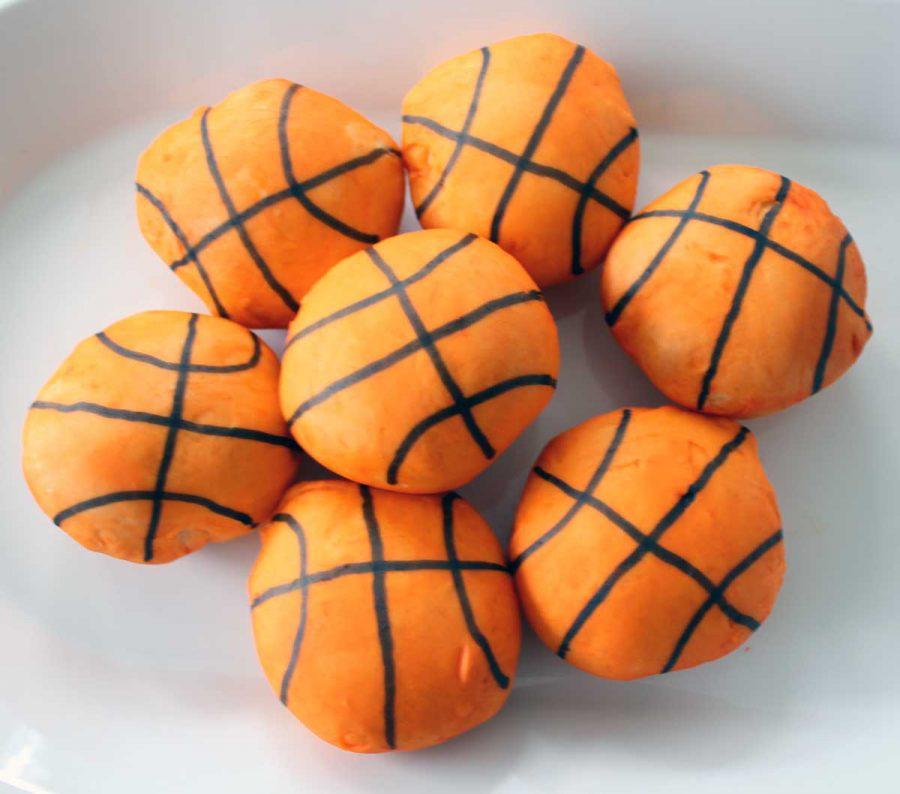 Ballin' (featuring Basketball Burger Buns)